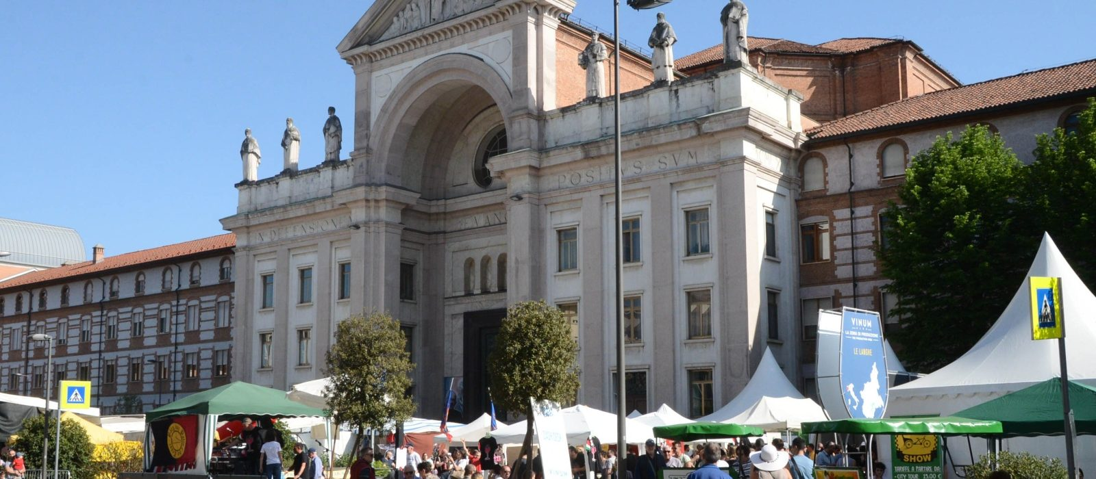Piazza San Paolo in Vinum
